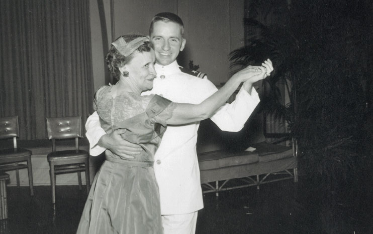 Lulu and Ross Perot dancing