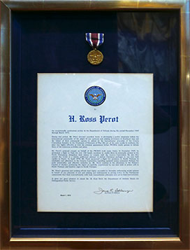 Department of Defense Medal for Distinguished Public Service awarded to Ross Perot